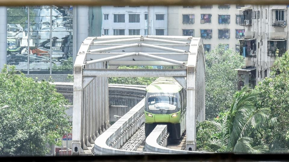 The monorail makes its way to Currey Road. (Kunal Patil/HT Photo)