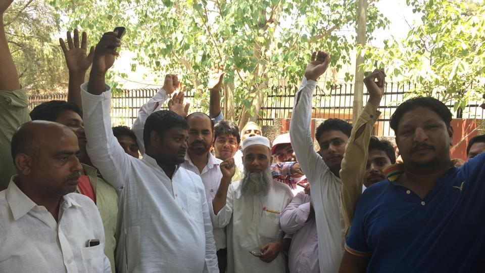 More than 50 meat vendors gathered at the office of the city magistrate Mahender Kumar Singh to get their grievances redressed.