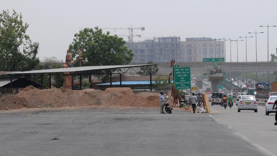 The crematorium was deemed a hindrance to the construction of an elevated U-turn near Sector 29.