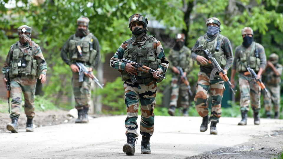 Defence sources claim that there has been a surge in the activities of Pakistani Border Action Team (BAT) along the LoC not just in Kupwara area — which is prone to infiltration and remains hot throughout the year — but in Uri in north Kashmir as well, which has largely remained peaceful in recent years. (TAUSEEF MUSTAFA / AFP)