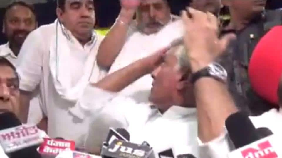 PPCC chief Sunil Jakhar was reportedly furious after the incident.