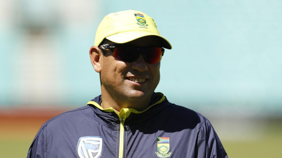 "South Africa coach Russell Domingo believes India are not favourites, given how the ""matches are panning out""."