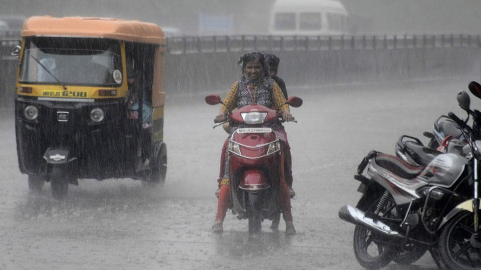 With no way for the water to drain, many parts of the city experienced traffic congestion due to water logging.