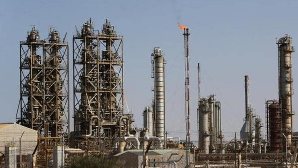 State-run oil retailers will formalise plans to set up the world's largest refinery/petrochemicals complex.