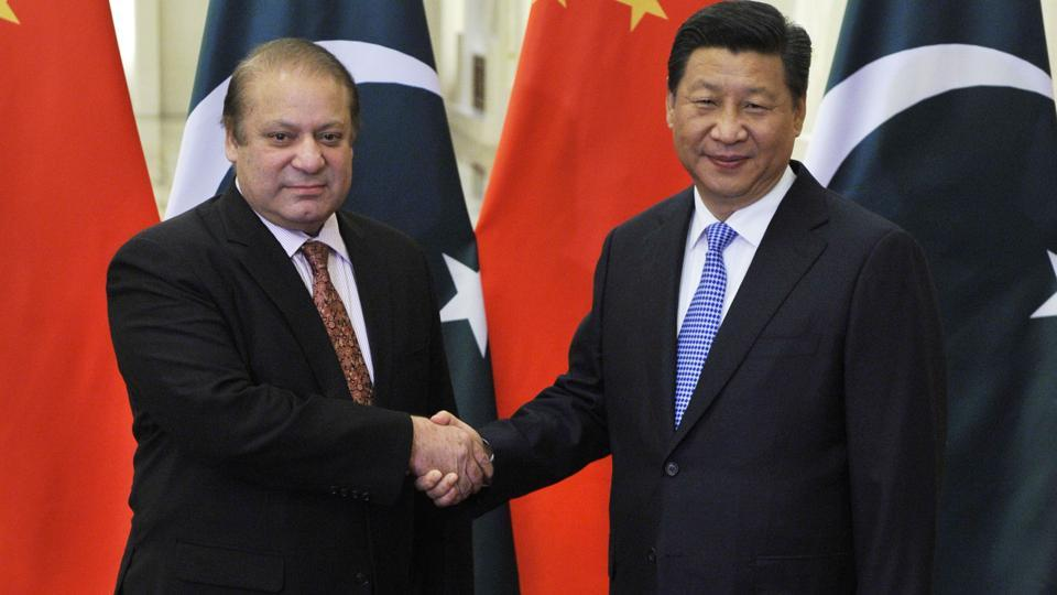 Pakistan's Prime Minister Nawaz Sharif (L) meets with Chinese President Xi Jinping (R) at the Great Hall of the People November 8, 2014 in Beijing, China.