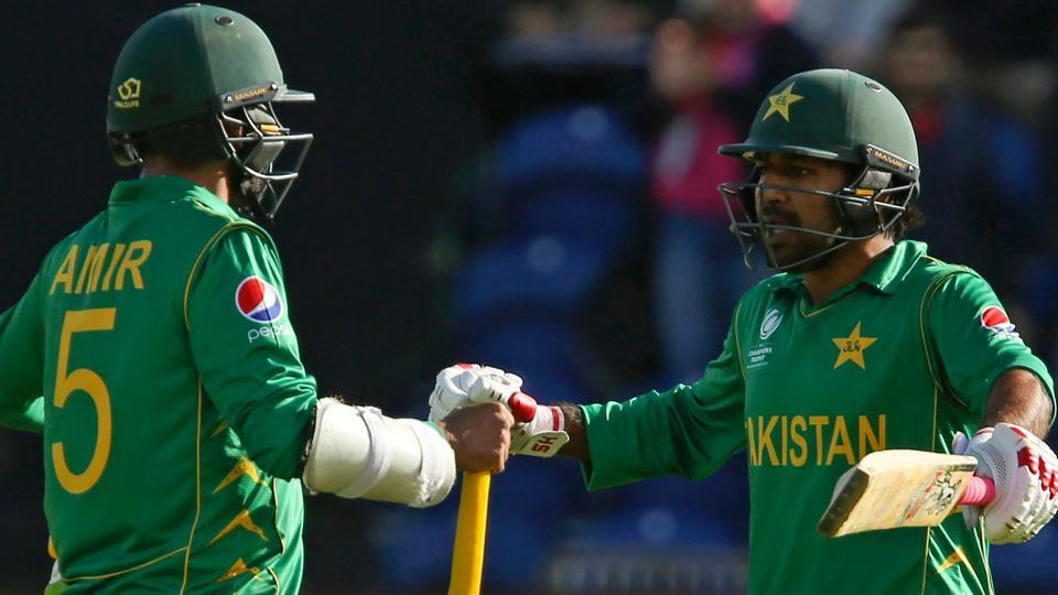 Pakistan edged out Sri Lanka in a thrilling ICC Champions Trophy match to book their place in the semi-finals of the tournament. Get the final points table, standings and run-rates of ICC Champions Trophy 2017 here.