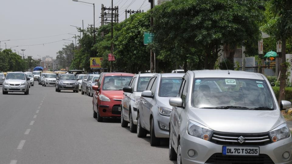 Commuters say visitors to Artemis hospital park their vehicles on the main road, thereby reducing the road width.