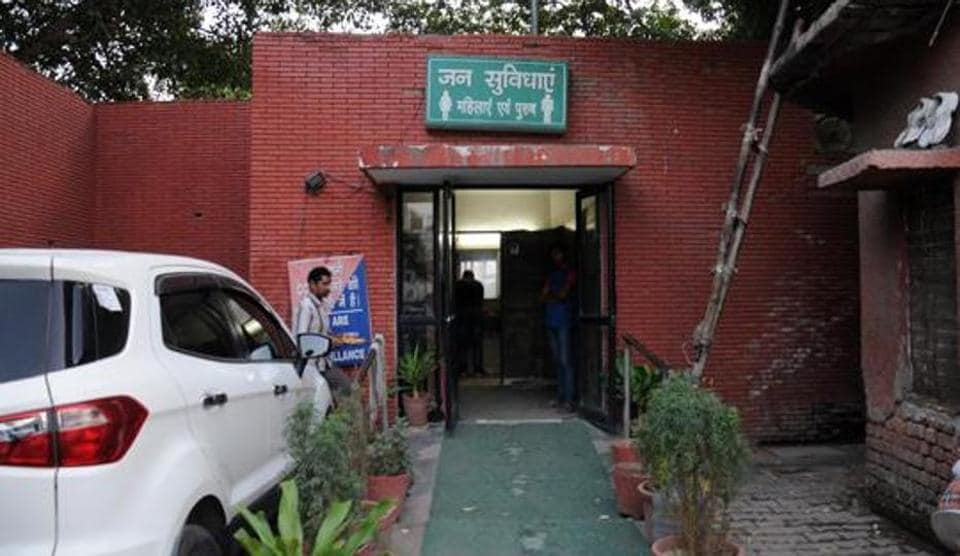 The North Delhi Municipal Corporation has 1,163 urinals, 499 community toilet complexes, 41 women toilets and 318 waterless urinals in six zones — City, Karol Bagh, Chandni Chowk, Civil Lines, Rohini and Narela.