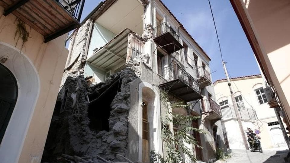 The tremor was also felt in densely populated Istanbul and the western Turkish province of Izmir, but no injuries were reported there. (Elias Marcou / Reuters)