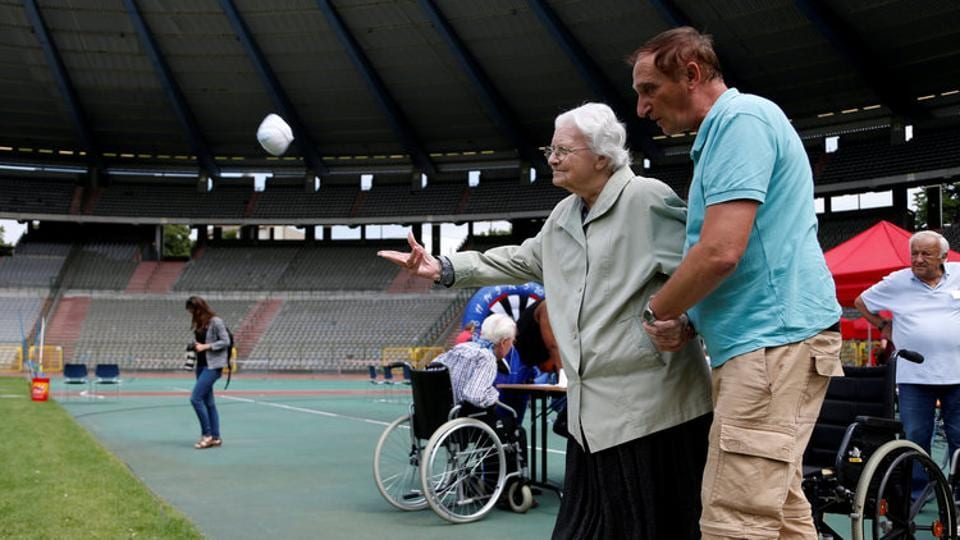 Brussels and 'A Travers les Arts', an organization working with rest home residents, decided to launch the first edition to promote outdoor activities for elderly people. (Francois Lenoir / REUTERS)