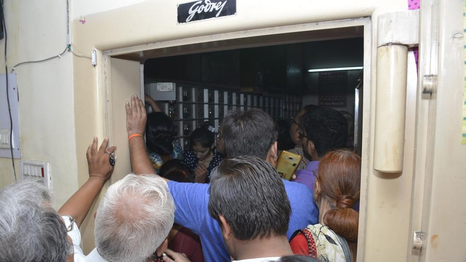 Customers read out the list and straightaway, barged into the strongroom after which they indulged in a verbal spat with bank officials.