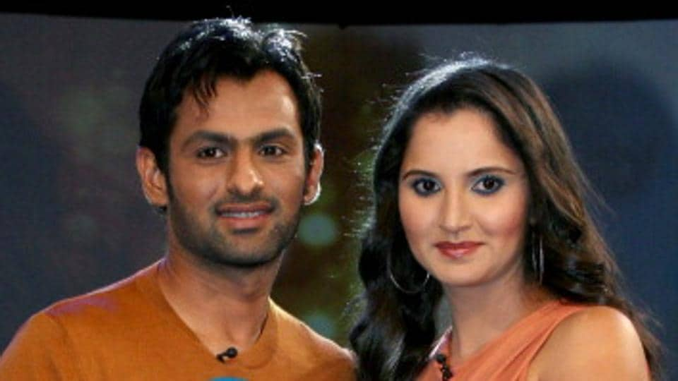 Sania Mirza (R) has hailed her husband Shoaib Malik, former captain of Pakistan, for his commitment towards cricket.