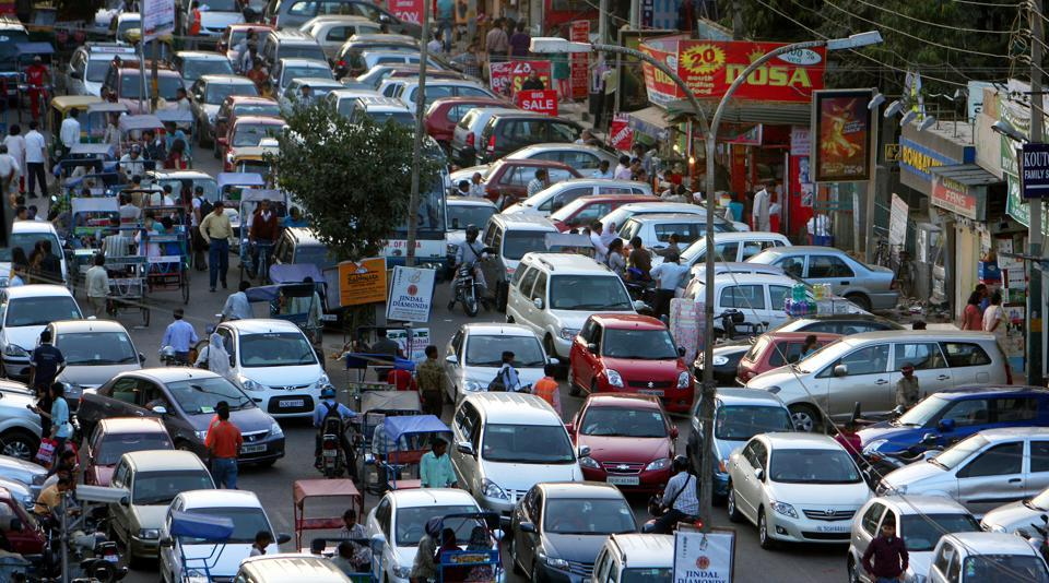Delhi witnesses frequent traffic snarls, especially on the narrow roads of residential colonies, due to unplanned parking.