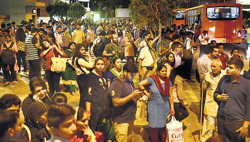 Delhi metro,Blue line,Metro services hit