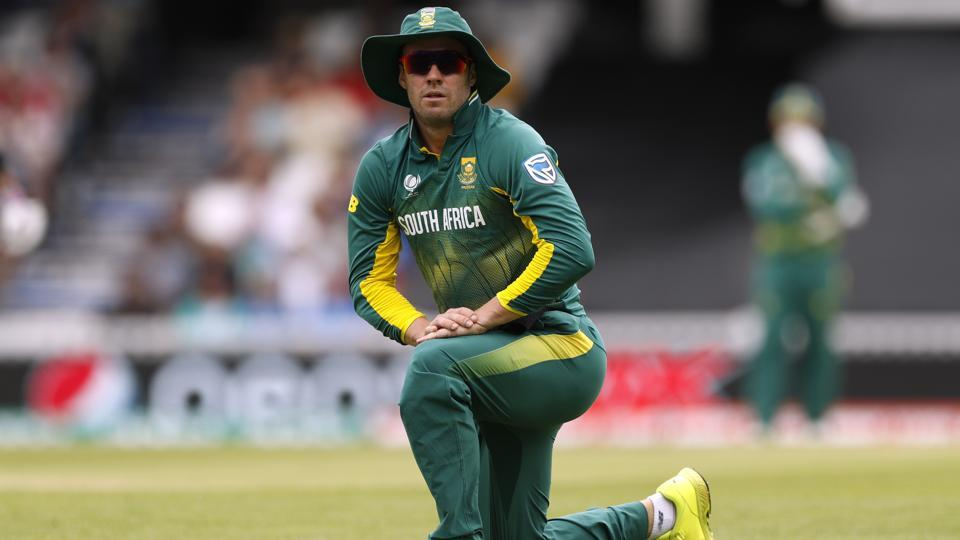 South Africa captain AB de Villiers has apologised after the Proteas' exit from the ICC Champions Trophy.