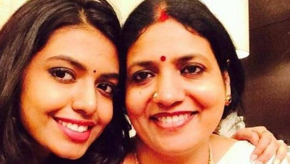 Shivani seen here with her famous mom, actor Jeevitha.
