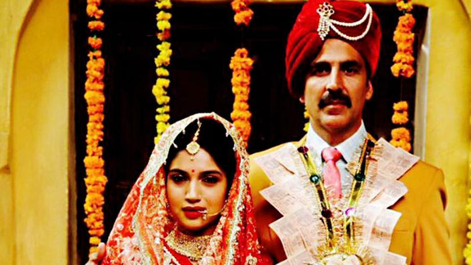 Actors Bhumi Pednekar and Akshay Kumar in a still from Toilet:Ek Prem Katha.