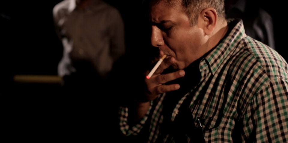 Siddhart Kumar plays an English-speaking tech geek  who is trying to give up smoking.