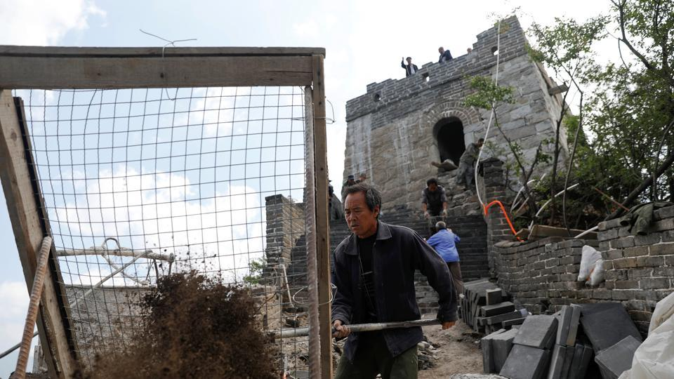 According to officials, just a tenth of the wall has been repaired. (Damir Sagolj/REUTERS)