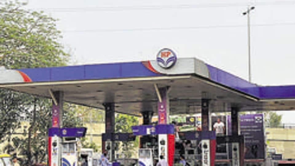 "TamilNadu government plans to set up 10 ""Amma petrol bunks""."