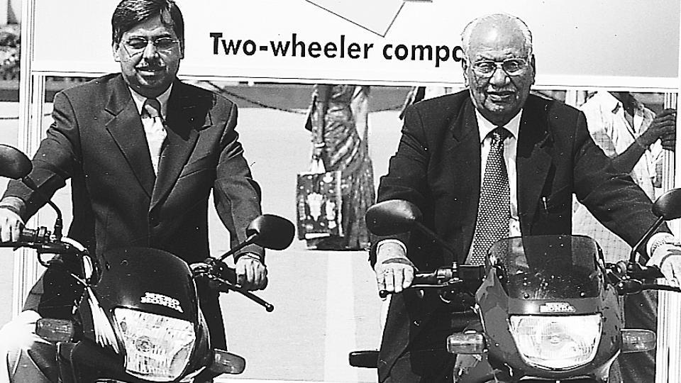 Hero Honda motors CMD Brijmohan Lall Munjal (L) and CEO Pawan Kant Munjal in New Delhi.