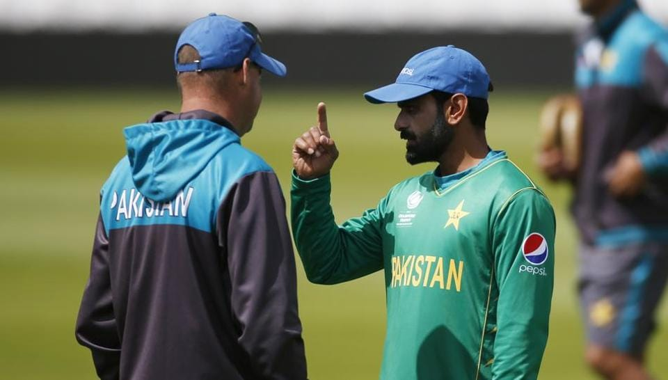 Mohammad Hafeez (R) will hold the key to Pakistan's chances in their ICC Champions Trophy final against India on Sunday.  (REUTERS)