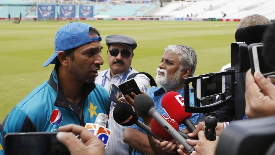 Azhar Mahmood addresses media ahead of Pakistan's practice session.  (REUTERS)