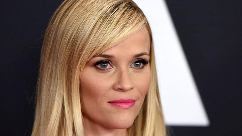 A bold fuchsia lip and heavy dusting of bronzer, coupled with a statement smoky eye, really brought out US actor and Southern Belle Reese Witherspoon's 'Wild' side during Oscar season this year.