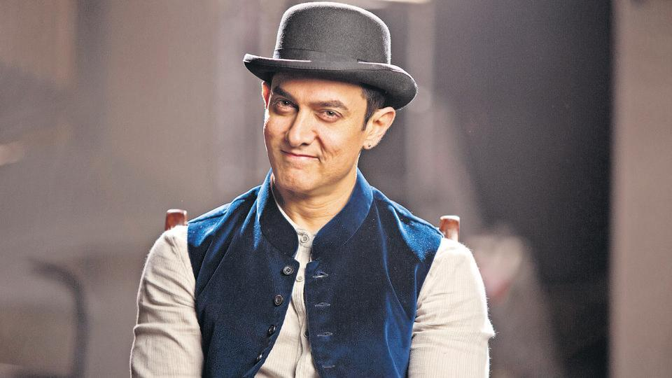 With narrow shoulders and thin frame, this is the leanest that Aamir Khan has ever been in his entire career.