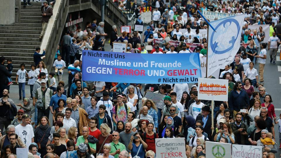 Muslim 'peace march' held in Germany but turnout disappoints