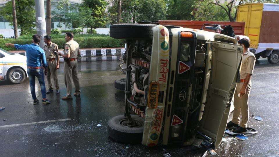 A mini truck overturned near the sector 16A flyover when the driver failed to negotiate a turn.
