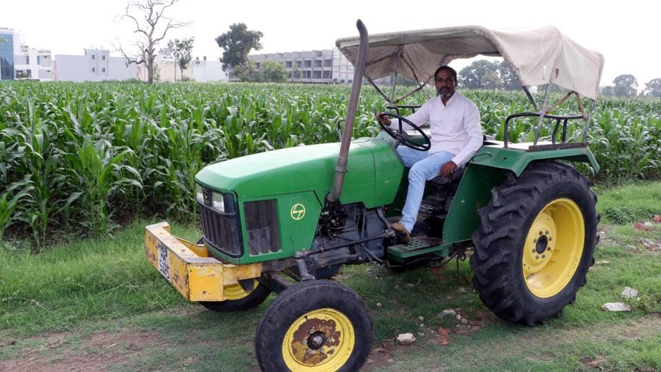 Kedar Sirohi of the Aam Kisaan Union has an M.Sc in Farm Management and Agricultural Market, and is networking farmers to work together at a time when crop prices are increasingly set by international markets.