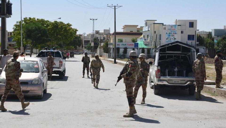 Representative Image | Pakistani soldiers stand guard.