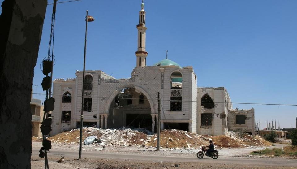 The damaged Al-Rahman mosque is pictured at al-Nuaimah village in Deraa province, Syria June 17, 2017.