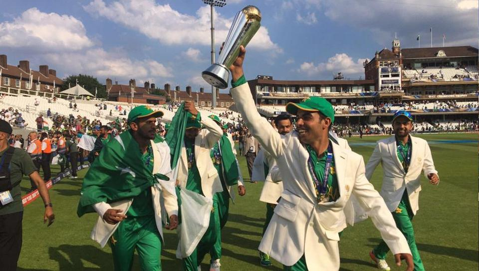 Fakhar Zaman (with the trophy) became the third Pakistan batsman to score a century in Champions Trophy.  (Twitter )