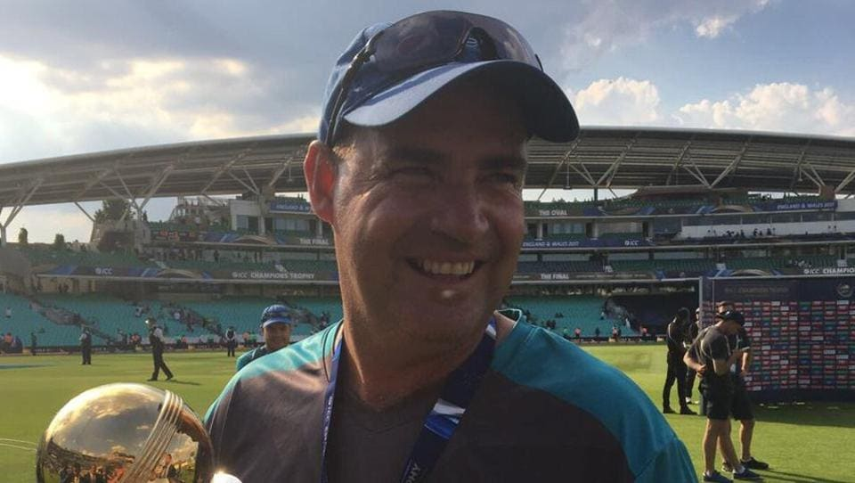 Pakistan coach Mickey Arthur poses with the trophy.  (Twitter )