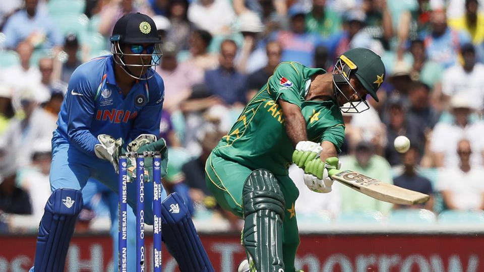 Zaman continued to target the Indian bowlers as Pakistan eyed a big total. (AP)