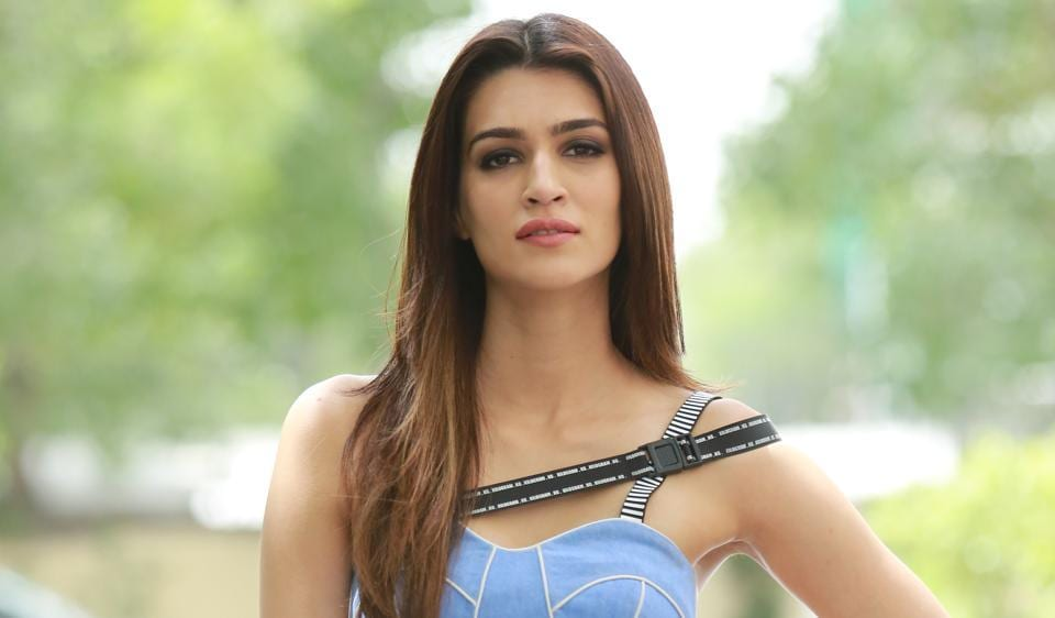 Actor Kriti Sanon talks about women's empowerment and how everyone should stop obsessing over women's clothes.