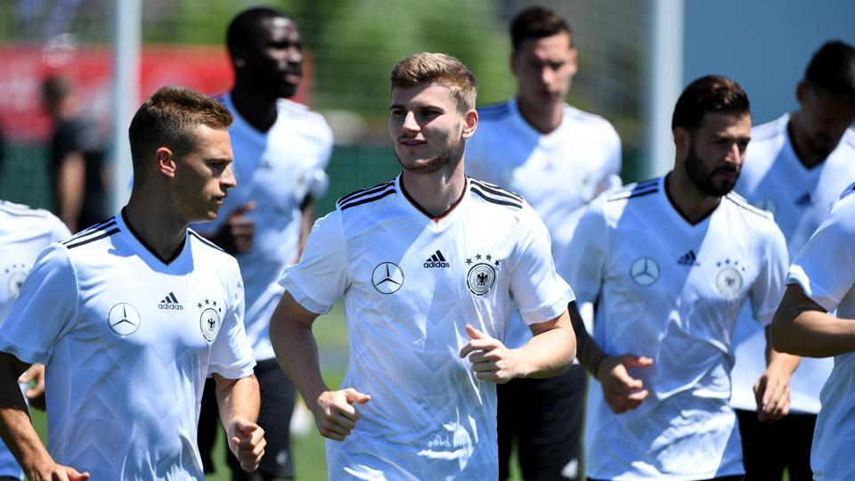 Germany's forward Timo Werner (C) attends a training session during the Russia 2017 Confederation Cup .
