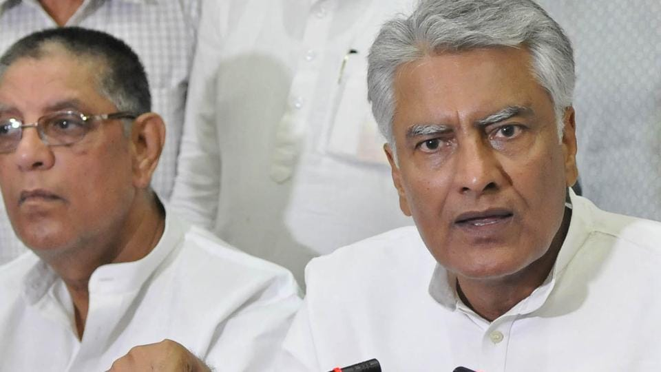 PPCC chief Sunil Jakhar addressing the media at Circuit House in Ludhiana on Saturday.