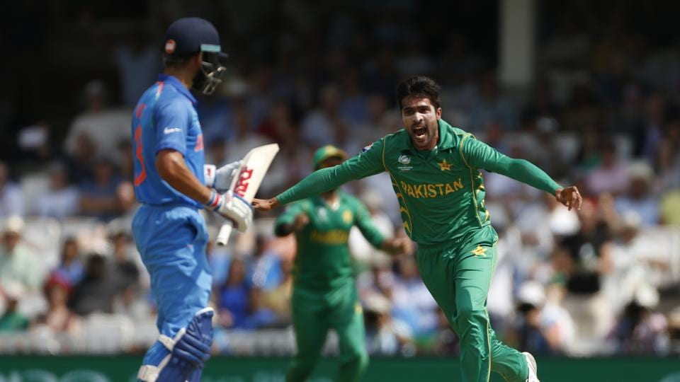 Things got better for Pakistan as Amir snapped up the dangerous Virat Kohli for 5 as Pakistan were on top. (REUTERS)