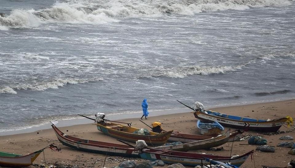 The fishermen from Mandapam had put out to sea in a boat early on Sunday and were fishing off Neduntheevu, when Lankan naval men surrounded them and took them to Kangesanthurai port there