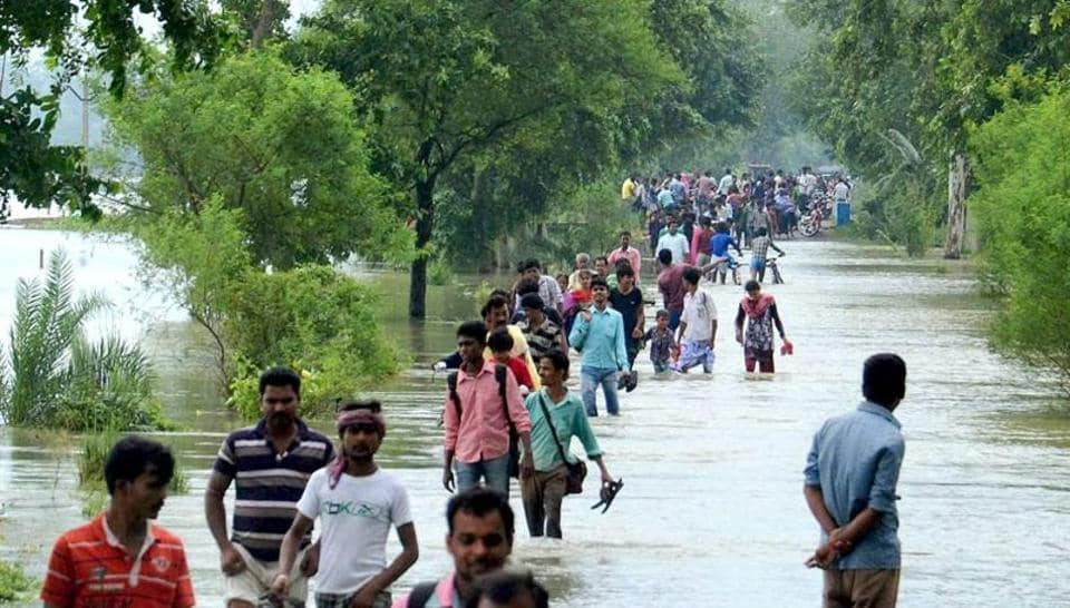 The death toll on Sunday rose to 163 in Bangladesh's landslides as five more persons, including three children, were killed due to incessant rains in two districts.