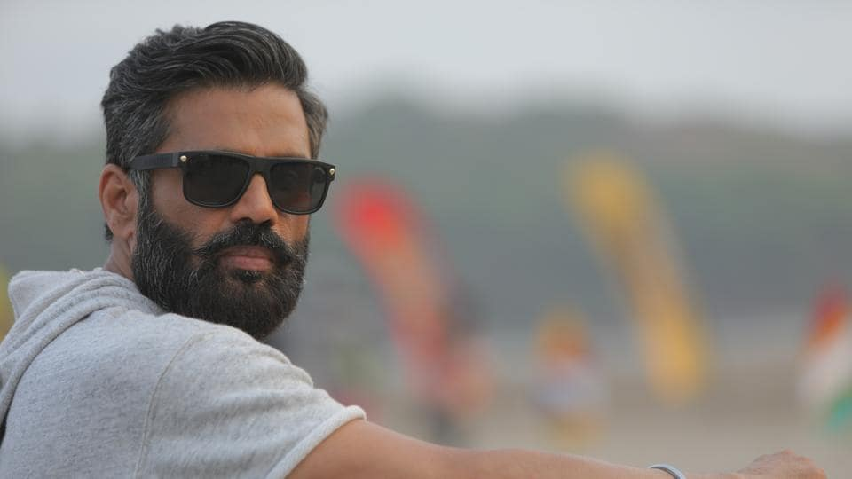 Suniel Shetty says that he has been offered films with Athiya, but none have impressed him.