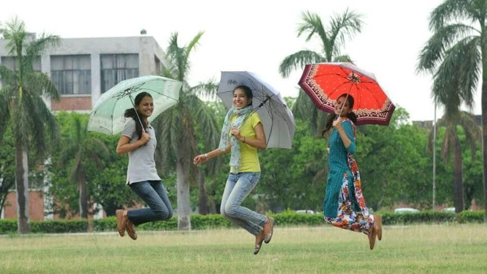 Delhiites woke up to a rainy morning, as predicted, with the minimum temperatures coming down to 24 degrees Celsius, four notches below the average.