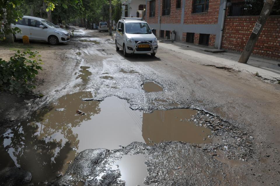 Potholes,MCG,Sector 21