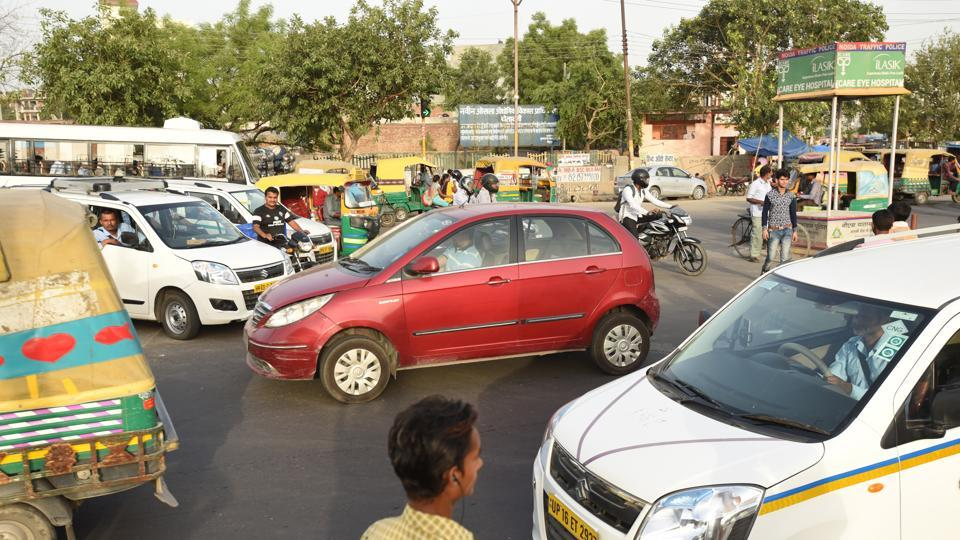 Noida,traffic,violations