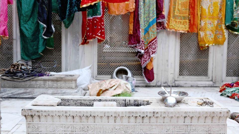 Tomb of Muhammad Shah 'Rangeela' .
