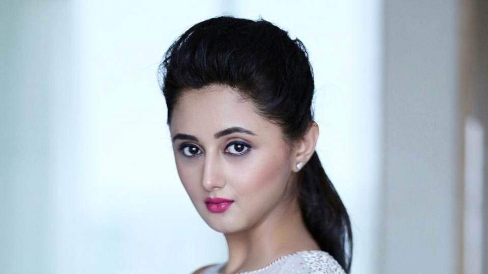 Rashami Desai is enjoying being single and says she is in love with life now.