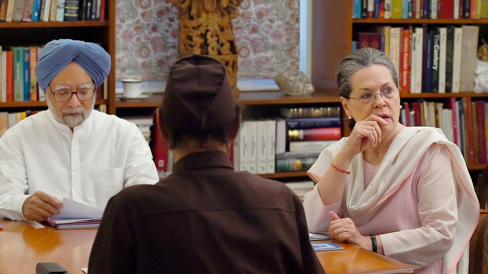 Former Prime Minister Manmohan Singh, Congress president Sonia Gandhi during the Congress Working Committee Meeting at 10 Janpath in New Delhi on June 6.